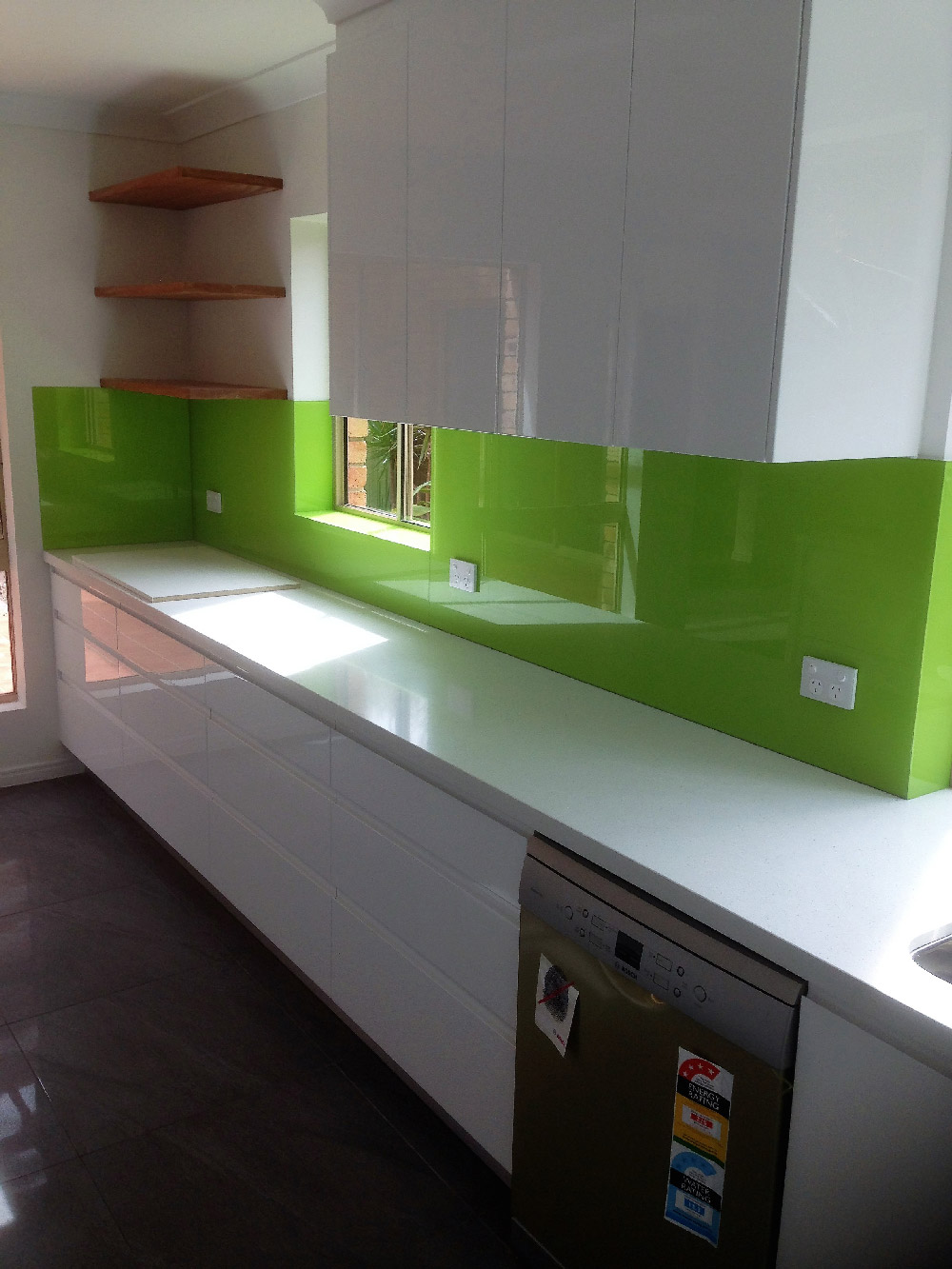Are Glass Splashbacks Right For Your Kitchen