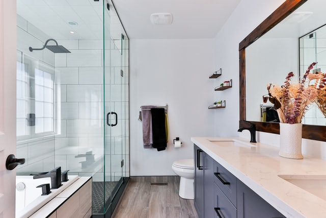 Frameless Shower Doors: Why They're Taking Over Our Bathrooms